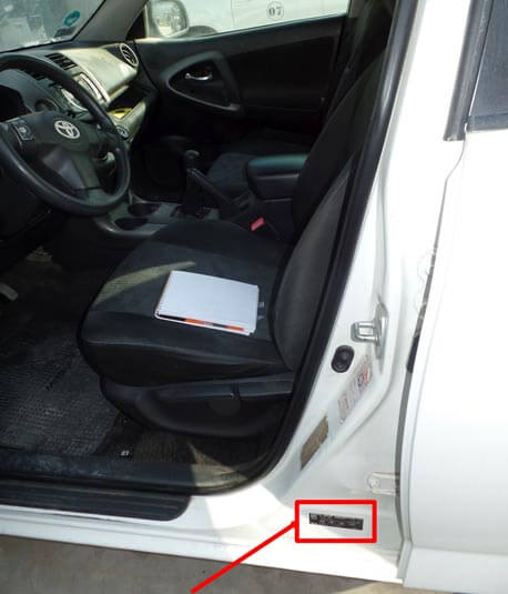 ubicacion sticker fabricante rav 4 2012